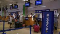 Taulells de Ryanair a l'aeroport de Girona, en una imatge d'arxiu