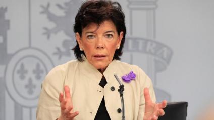 La portaveu del govern espanyol, Isabel Celaá, a la roda de premsa posterior al Consell de Ministres