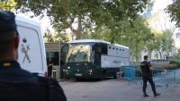 Un autocar de la Guàrdia Civil s'endú els CDR detinguts després de declarar a l'Audiencia Nacional, el passat 27 de setembre