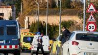 Efectius dels Mossos i dels serveis d'emergències, aquest divendres a Vilobí d'Onyar