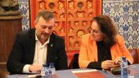 El president de l'AMI, Josep Maria Cervera, i l'alcaldessa de Sitges, Aurora Carbonell, durant la reunió del consell directiu de l'entitat
