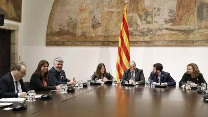 El president de la Generalitat, Quim Torra, reunit aquest divendres amb representants de JxCat, ERC, PSC i els comuns