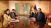 Marta Vilalta, Gabriel Rufián i Josep Maria Jové (ERC) amb José Luis Ábalos, Adriana Lastra i Salvador Illa (PSOE-PSC) a la segona reunió de la taula de negociació al Congrés, el 3 de desembre de 2019