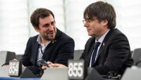 Toni Comín i Carles Puigdemont, al seu escó del Parlament Europeu