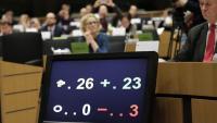 Un panell mostra el resultat de la votació sobre el 'Brexit', aquest dijous a la Comissió d'Afers Institucionals del Parlament Europeu