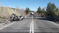 El turisme ha quedat destrossat per l'impacte, aquest dimarts a la C-15