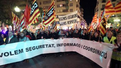 Capçalera de la manifestació per reclamar més seguretat a la indústria petroquímica, aquest dimecres a Tarragona