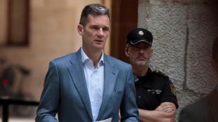 Iñaki Urdangarin, sortint de l'Audiència de Palma després de recolllir la sentència i el manament d'ingrés a presó, el 13 de juny del 2016