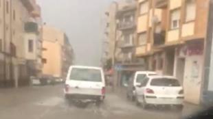 La carretera d'Amer, totalment inundada aquest divendres per la tempesta