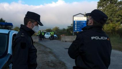 Imatge d'un control policial a la frontera hispanoportuguesa