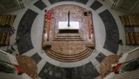 Vista de l'interior de la basílica del Valle de los Caídos, ja sense la tomba de Franco