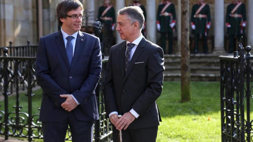 Urkullu i Puigdemont, en una trobada al 2016.