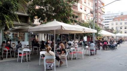 Si s'aprova la mesura, els establiments com bars i restaurants no podran seure més de 6 clients a una mateixa taula