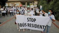 Manifestació dels MIR davant el departament de Salut, dilluns passat