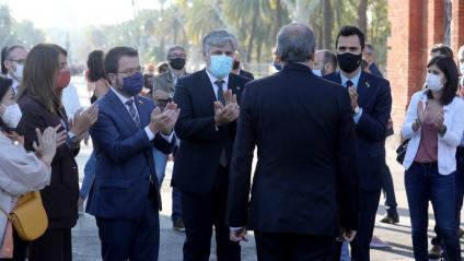 Budó, Aragonès, Batet, Torrent i Vilalta aplaudeixen el president, Quim Torra, abans d'entrar al TSJC el 23 de setembre, per la segona causa oberta per desobediència