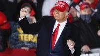 El president dels EUA, Donald Trump, sense mascareta en un acte electoral a Wisconsin