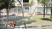 Un parc infantil tancat a Figueres, en una imatge d'arxiu