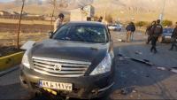 Imatge d'un dels cotxes de la comitiva de Fajrizadeh, tirotejat a Absard