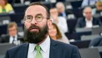 L'eurodiputat del Fidesz, Szájer József, durant un ple a l'Eurocambra el setembre del 2018