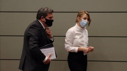 El ministre espanyol de Seguretat Social, José Luis Escrivá, i la titular de Treball, Yolanda Díaz, han presentat aquest dimarts els acords per prorrogar els ERTO i els ajuts als autònoms