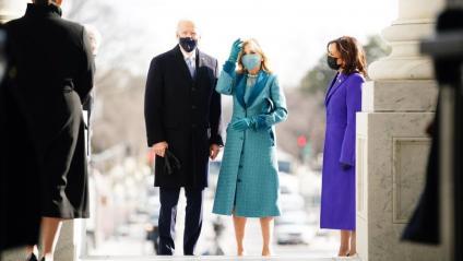 El president electe, Joe Biden, amb Jill Biden i la vicepresidenta Kamala Harris, aquest dimecres al Capitoli