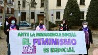 Concentració davant el TSJM en suport dels recursos perquè s'autoritzi la mobilització del 8-M, ahir dissabte a Madrid