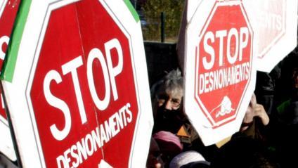 Protesta per reclamar que parin els desnonaments