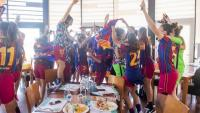 Les jugadores del Barça celebren el títol.
