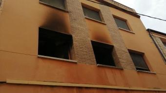 La façana de l'immoble afectat, al Sarral