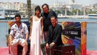 Agustí Villaronga, amb alguns actors d''El ventre del mar' a la presentació del film al Festival de cinema de Màlaga, el passat 10 de juny