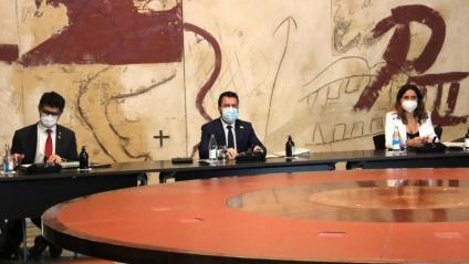 El vicepresident del govern, Jordi Puigneró; el president de la Generalitat, Pere Aragonès, i la consellera de Presidència, Laura Vilagrà, al darrer Consell Executiu