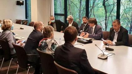 Carles Puigdemont, durant la reunió amb diputats i senadors francesos a París