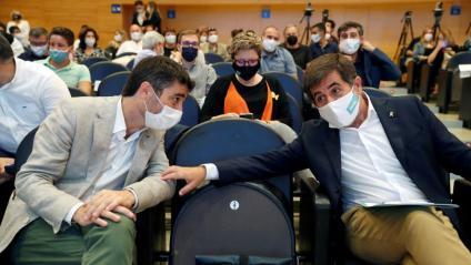 El vicepresident del govern, Jordi Puigneró, i el secretari general de JxCat, Jordi Sànchez, aquest dissabte al consell nacional del partit
