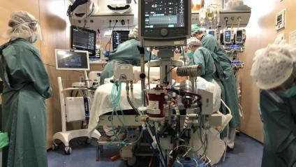 Als hospitals catalans hi ha 14 pacients més aquest diumenge, però 3 menys a les UCI