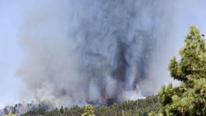 Vista de l'erupció, al complex volcànic de la Cumbre Vieja, a l'illa de La Palma