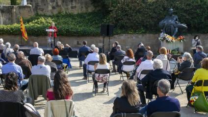 Homenatge a les victimes del feixisme al Memorial democràtic del Fossar de la Pedrera, al Cementiri de Montjuïc