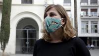 La portaveu de Guanyem Badalona, Nora San Sebastián, davant l'Ajutament de la ciutat