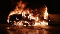 Dos camions han estat consumit per les flames, aquest dilluns a Reus