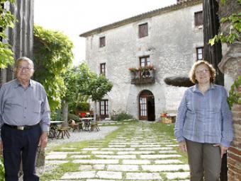 Bernat Pratdesaba i la seva dona, Nati Orri, aquesta setmana al restaurant Can Palau, que regenten des de 1974 Griselda Escrigas