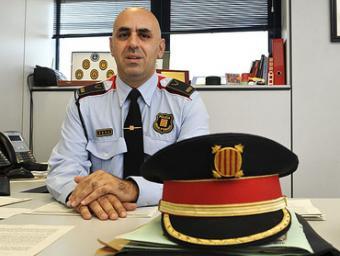 Roger Sales al despatx de la comissaria de Mollet Ramon Ferrandis