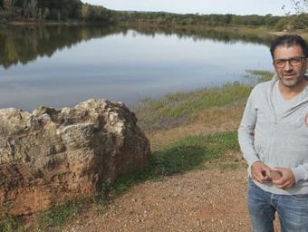 L'alcalde del Brull, Ferran Teixidó, al pantà que ha passat a ser de propietat municipal Jordi Puig