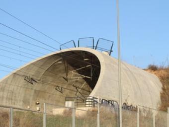 La boca d'uns dels falsos túnels de la línia de l'AVE construïts a tocar de Montornès Nord Griselda Escrigas