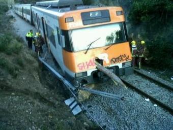 Estat en què va acabar el tren que va descarrilar, el maquinista del qual va resultar ferit molt greu Ramon Ferrandis