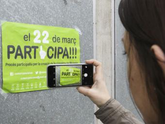 Un dels cartells anunciant el procés participatiu de diumenge, a Collsuspina Jordi Puig