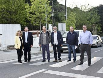 L'alcaldessa, M. Sanmartí els regidors J.F. Fernández i Pere Raspall i els membres de la comissió Enrique Jiménez, Albert Pastor i Amadeo Gelada, a la Josep Villarroya
