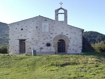 La capella de Sant Elies, a la imatge durant les obres, torna a mostrar el campanar d'espadanya després de 40 anys