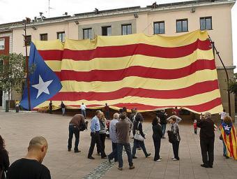 Una gran estelada va cobrir la façana de l'Ajuntament de la Garriga el 14 d'octubre de 2012 Ramon Ferrandis