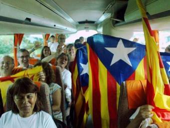 Un total de 54 autobusos han sortida des de Reus per participar a la Via Lliure 2015 de la Meridiana María Ramírez
