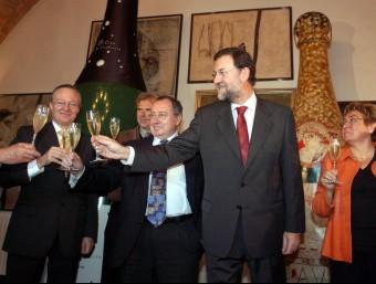 El president del PP, Mariano Rajoy, l'octubre de 2005 a Sant Sadurní d'Anoia desautoritzant el boicot.  O. DURAN