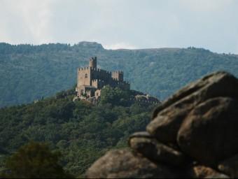 Castell de Requesens, a la zona fronterera de l'Albera ARXIU